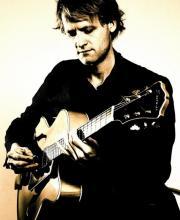 Kristian Borring – Guitar
